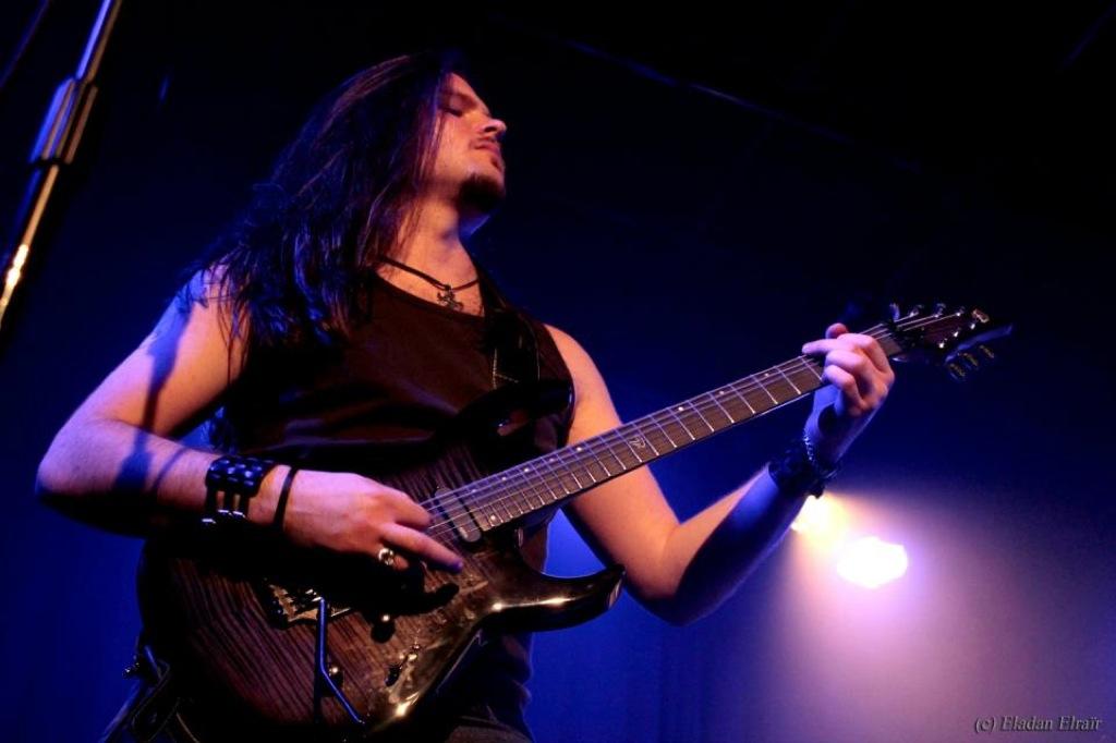 Nils Courbaron, Guitariste Guitares VGS GEWA music