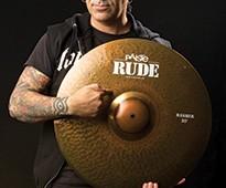 RUDE-Alex-Gonzalez-cymbales-Paiste-GEWAmusic-205X300